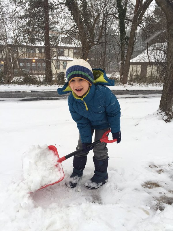 Twitter user Melissa Glidden Tye reminders neighbors to shovel early and often as snow begins to accumulate in the D.C.-metro region on Friday, Jan. 22, 2016. (From Melissa Glidden Tye via Twitter)