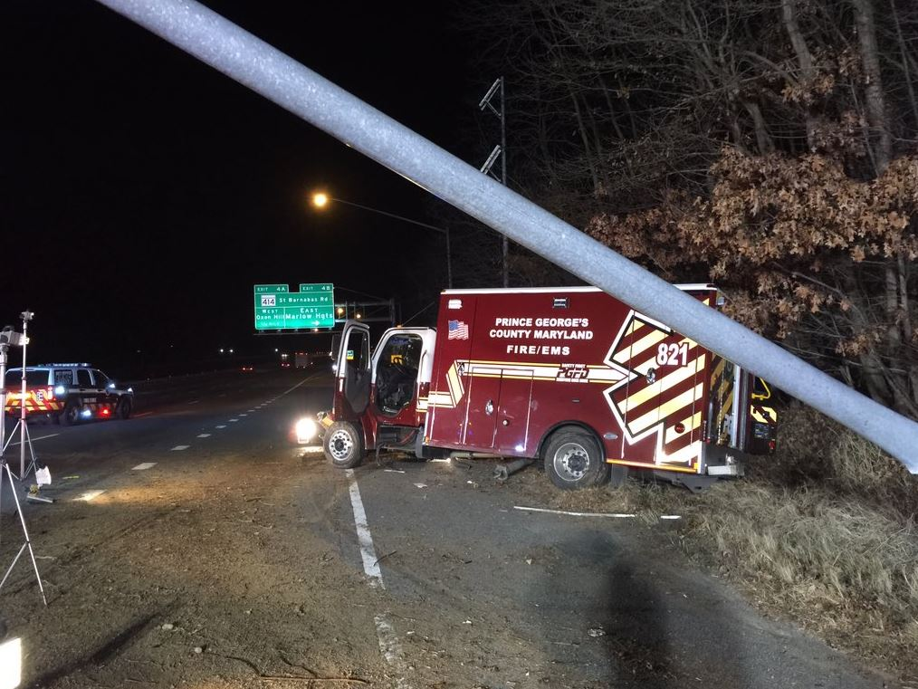 Medics injured in Prince George's Co. ambulance crash