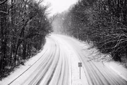 Snow accumulates on Wiehle Avenue in Reston, Va. on Friday, Jan. 22, 2016. (From Twitter user Robbie Nolan)