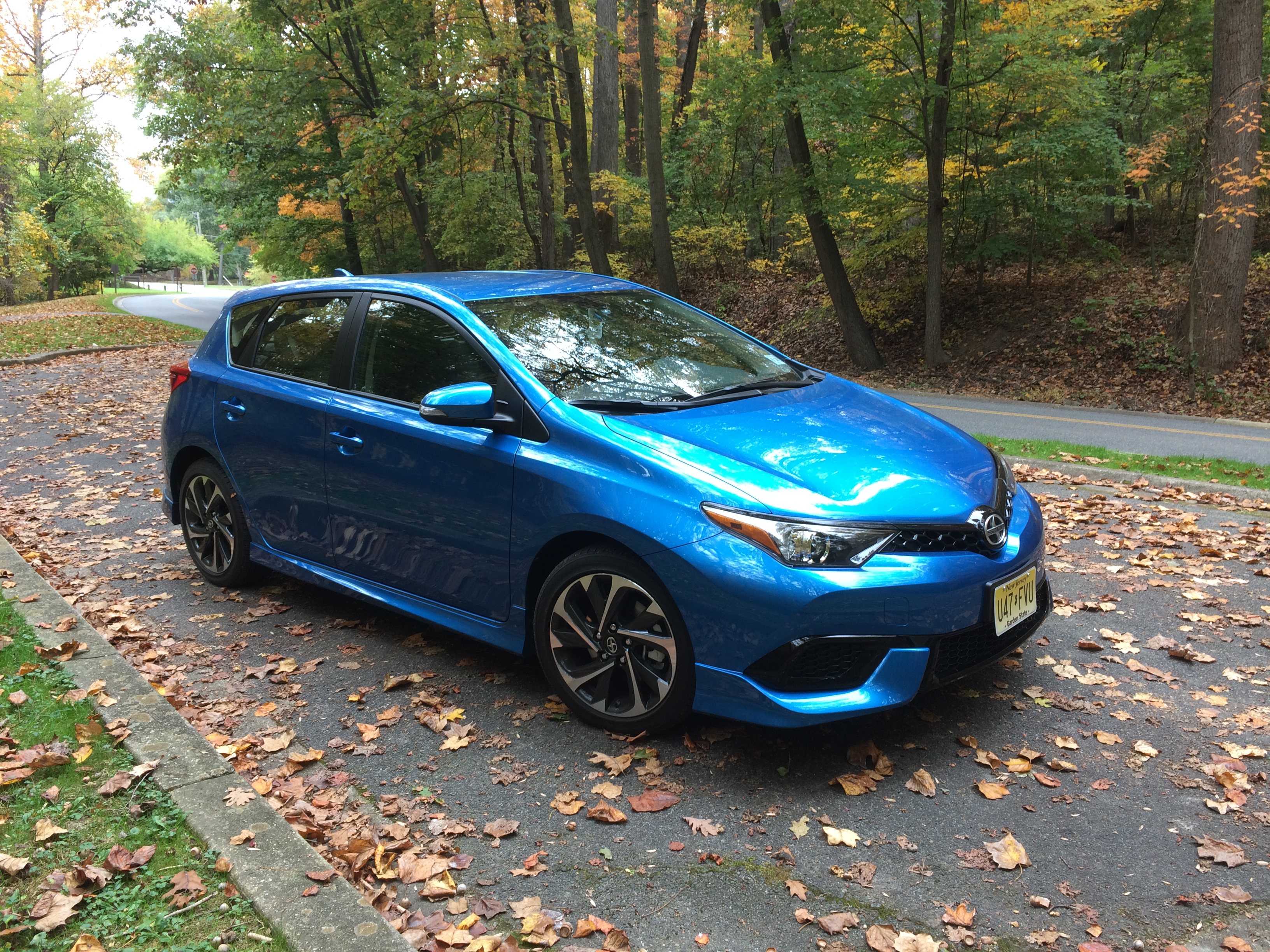 2016 Scion iM: A hatchback trying to breathe new life into the brand