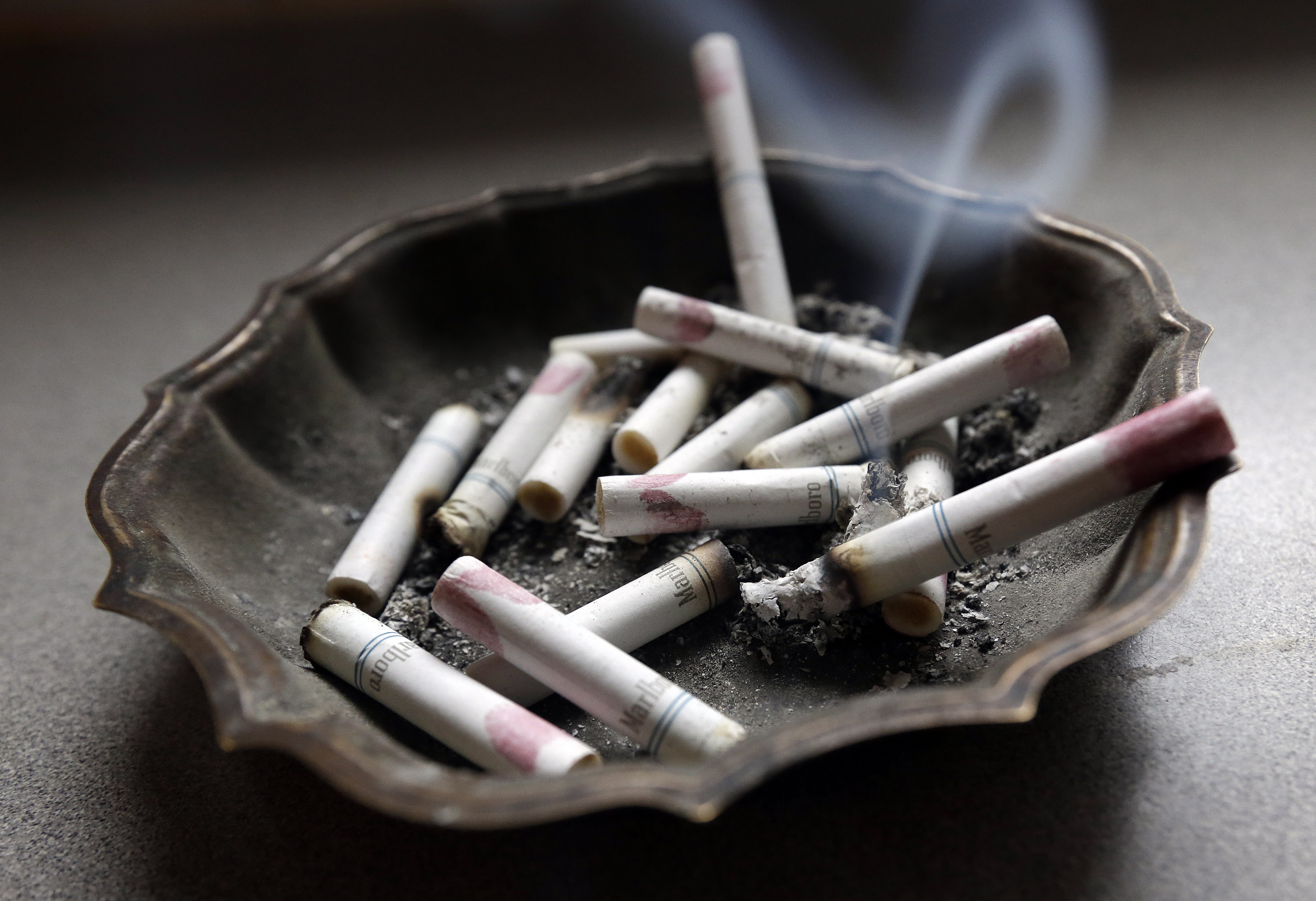 Study: Smokers more likely to live in apartments