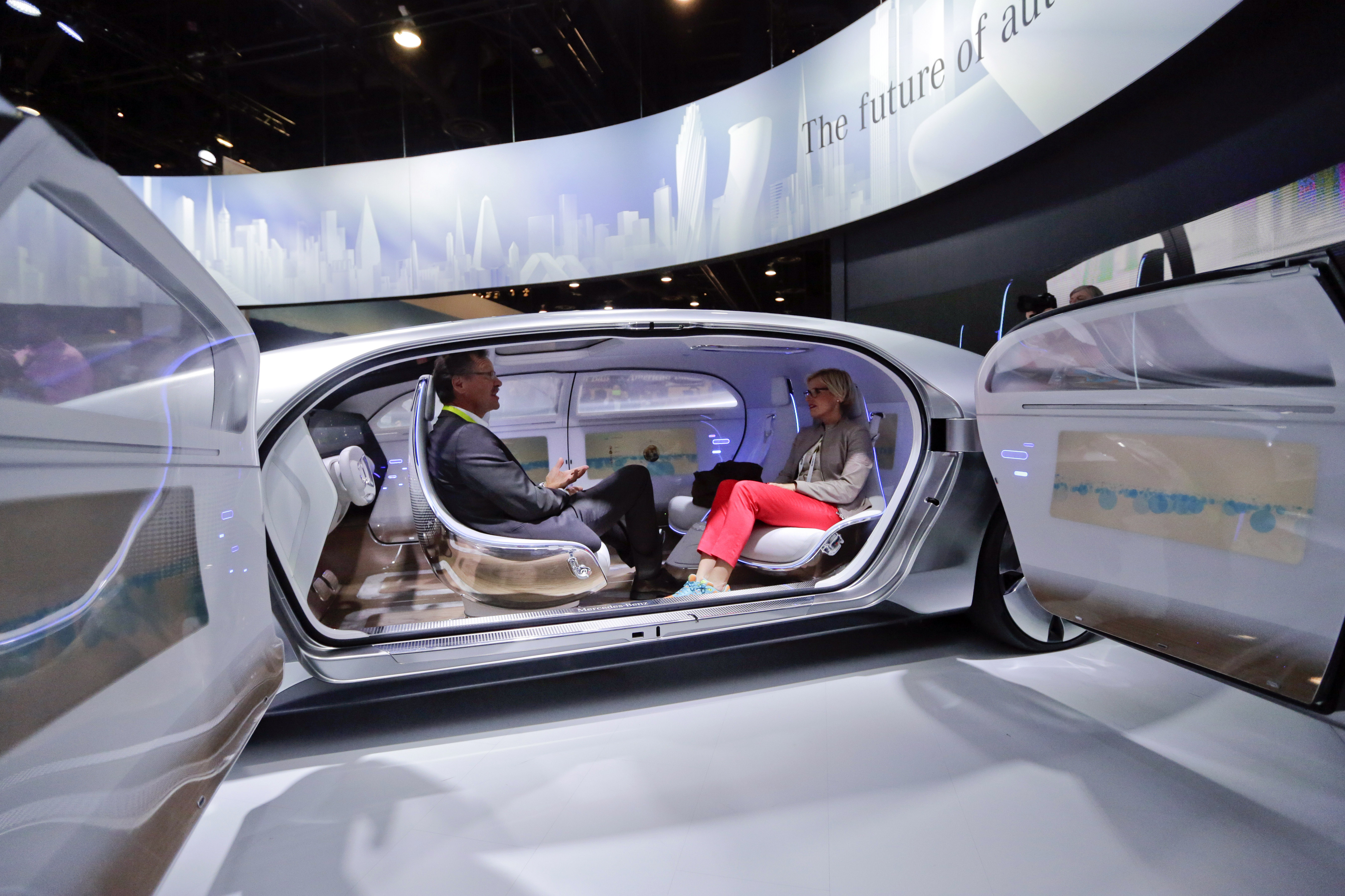 Expert: Self-driving cars could pose security risks