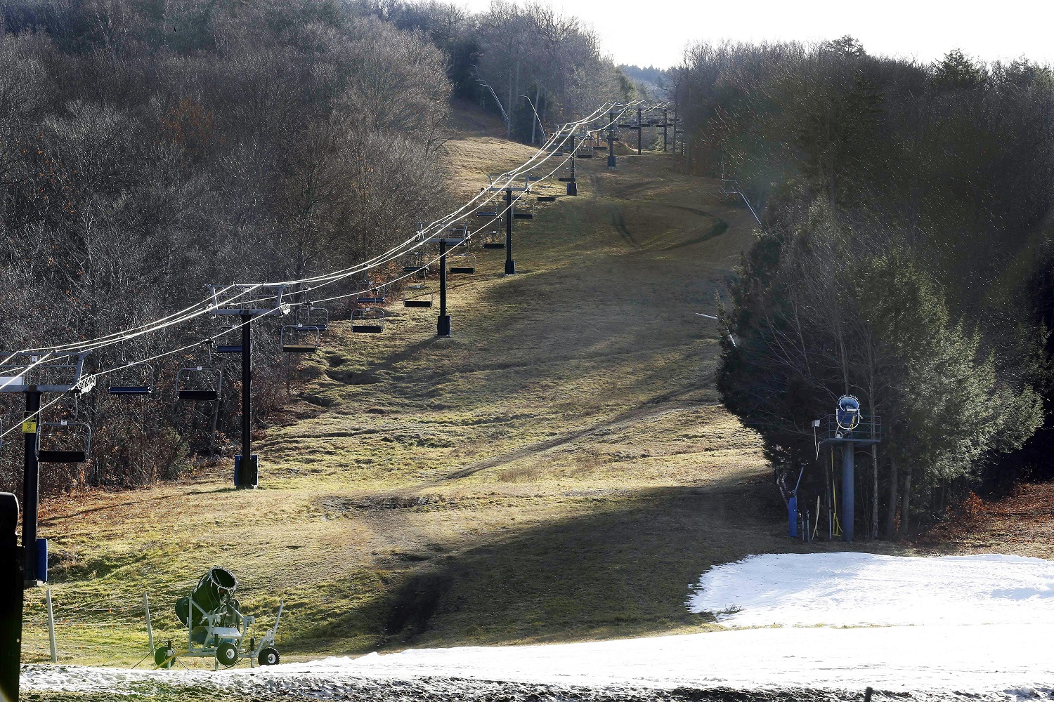Slow start to winter leaves ski resorts out in cold