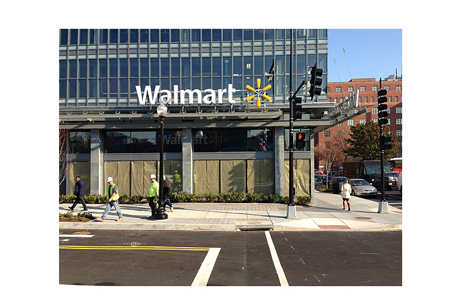 Wal-Mart decision to halt 2 D.C. projects angers councilwoman who worked on deals