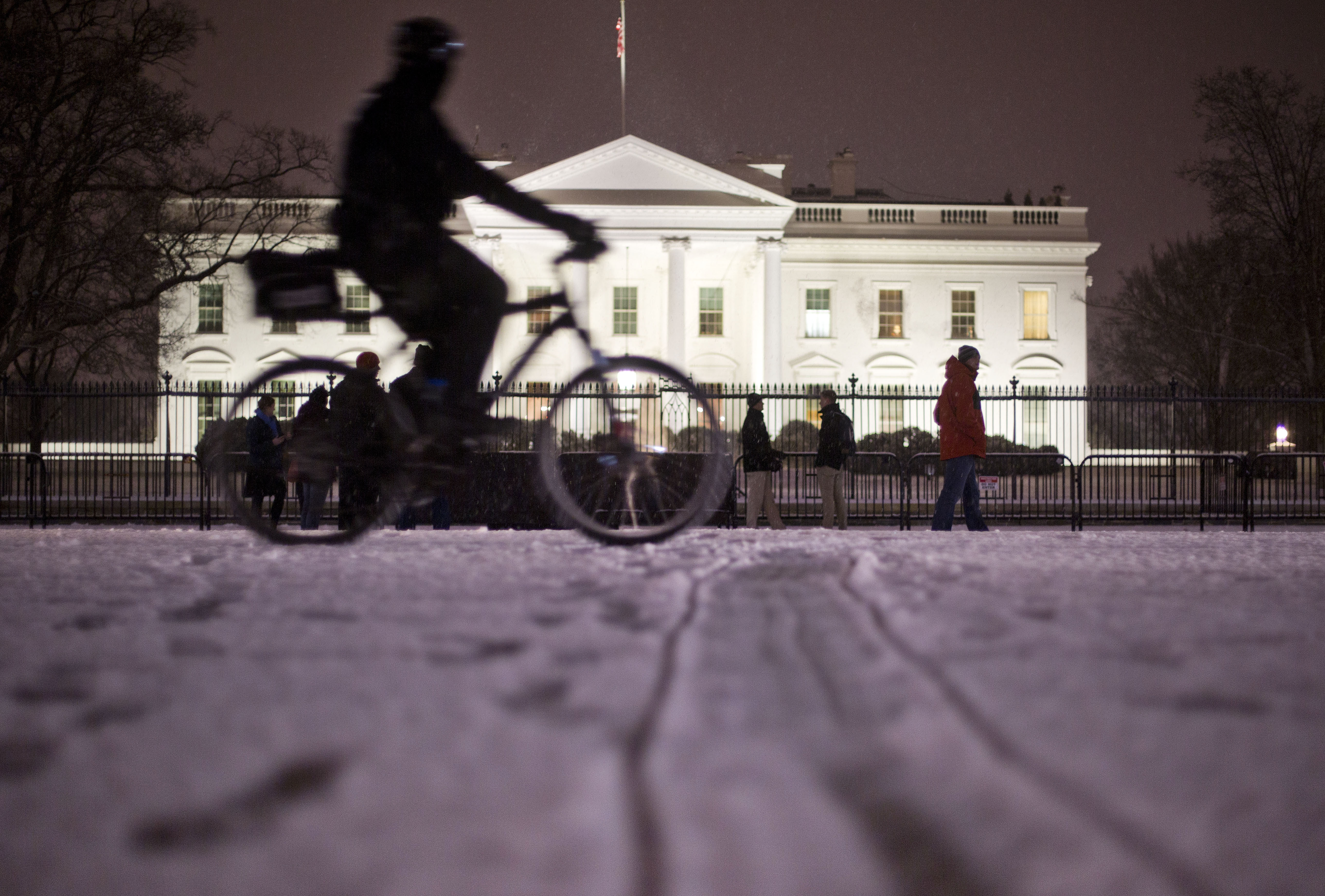 NWS issues Blizzard Warning for D.C. area Friday into Saturday