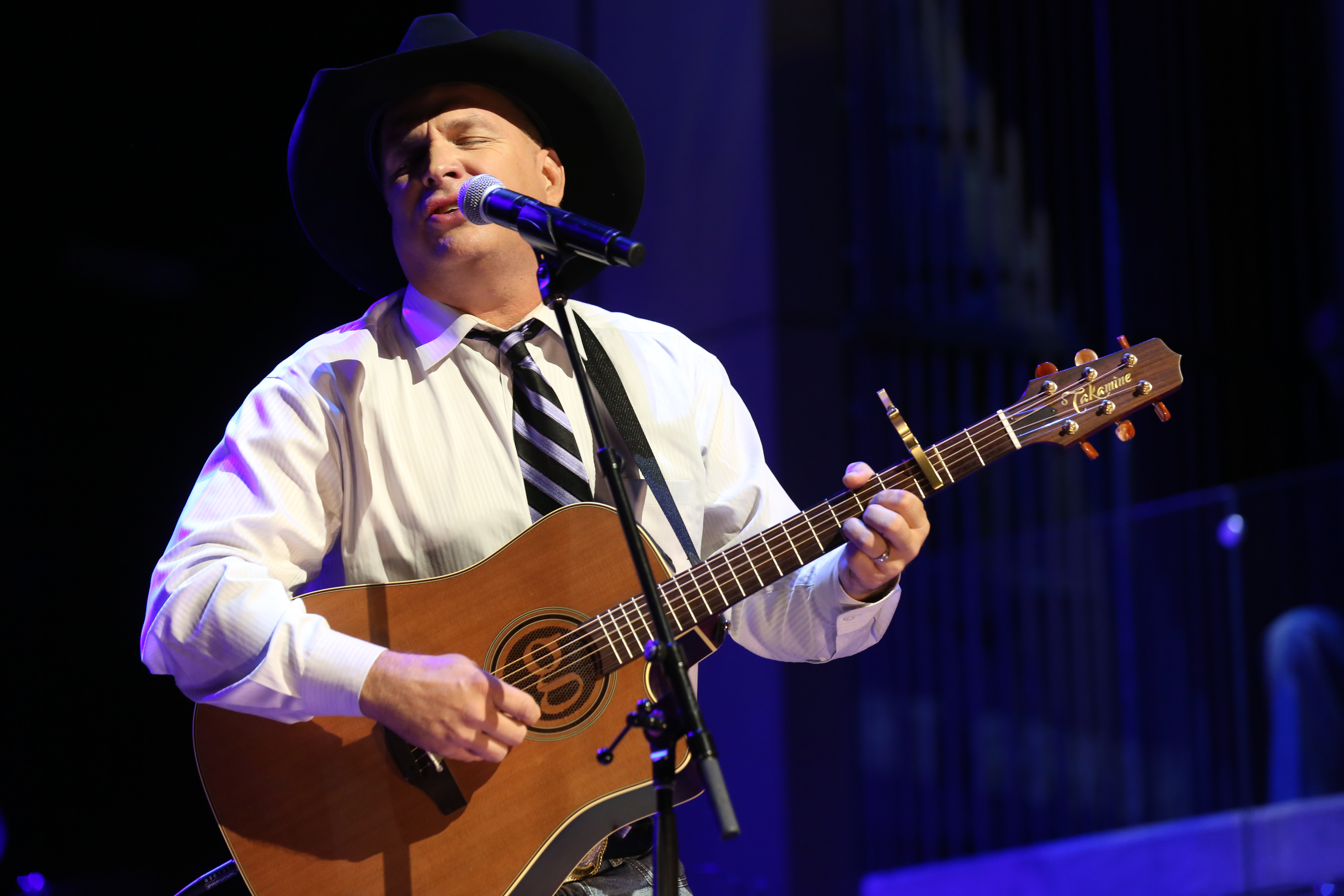 Garth Brooks shows postponed in Baltimore due to snow