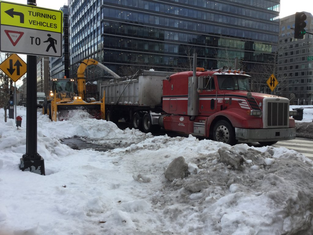 Heavy-duty machines borrowed from other cities to clear D.C. snow