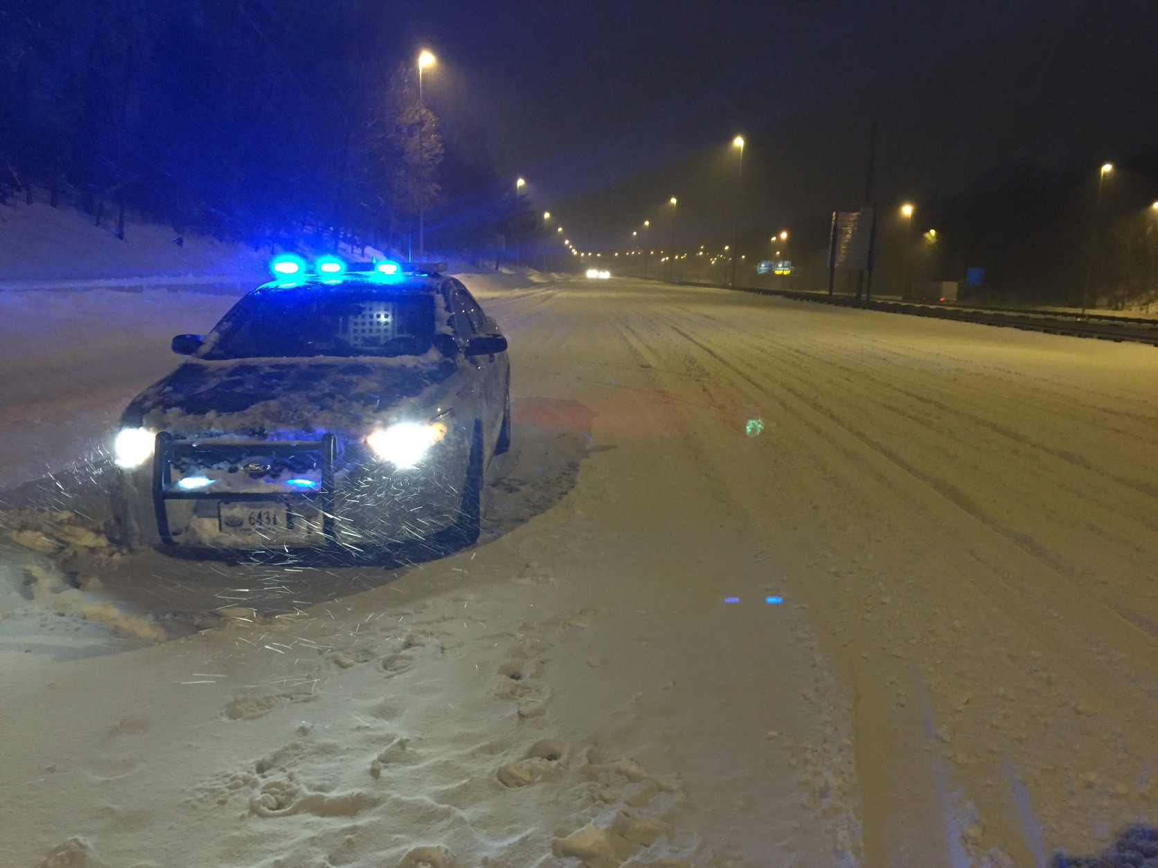 Virginia State Police on Interstate 95 in Prince William County overnight Friday into Saturday with VDOT Safety Services Patrol. (Courtesy Virginia State Police)