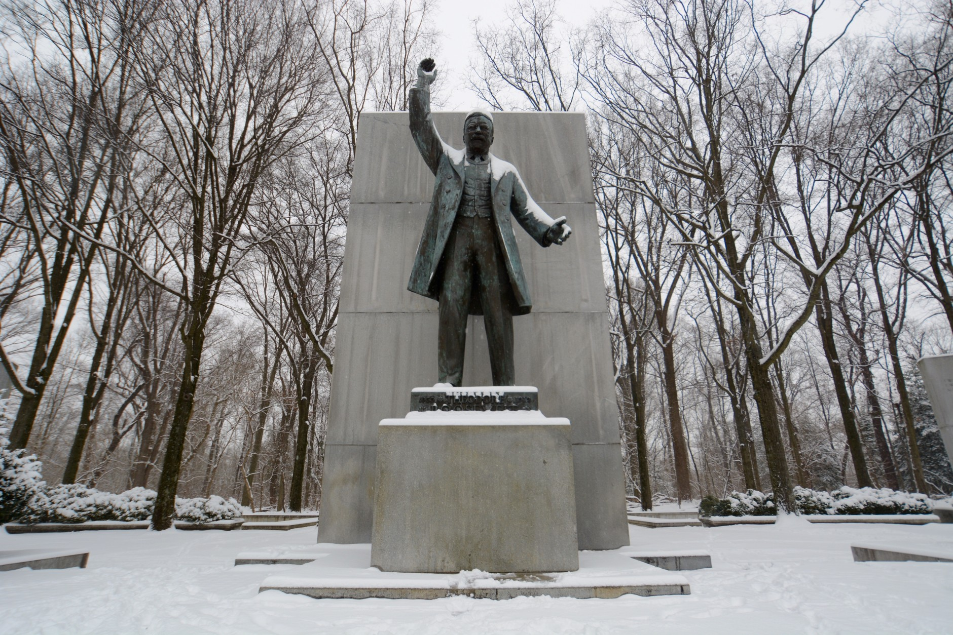 As the bike ride begins, snow starts to collect on the Theodore Roosevelt statue at the Theodore Roosevelt Island National Memorial in D.C. on Monday, Feb. 15, 2016. (WTOP/Dave Dildine)