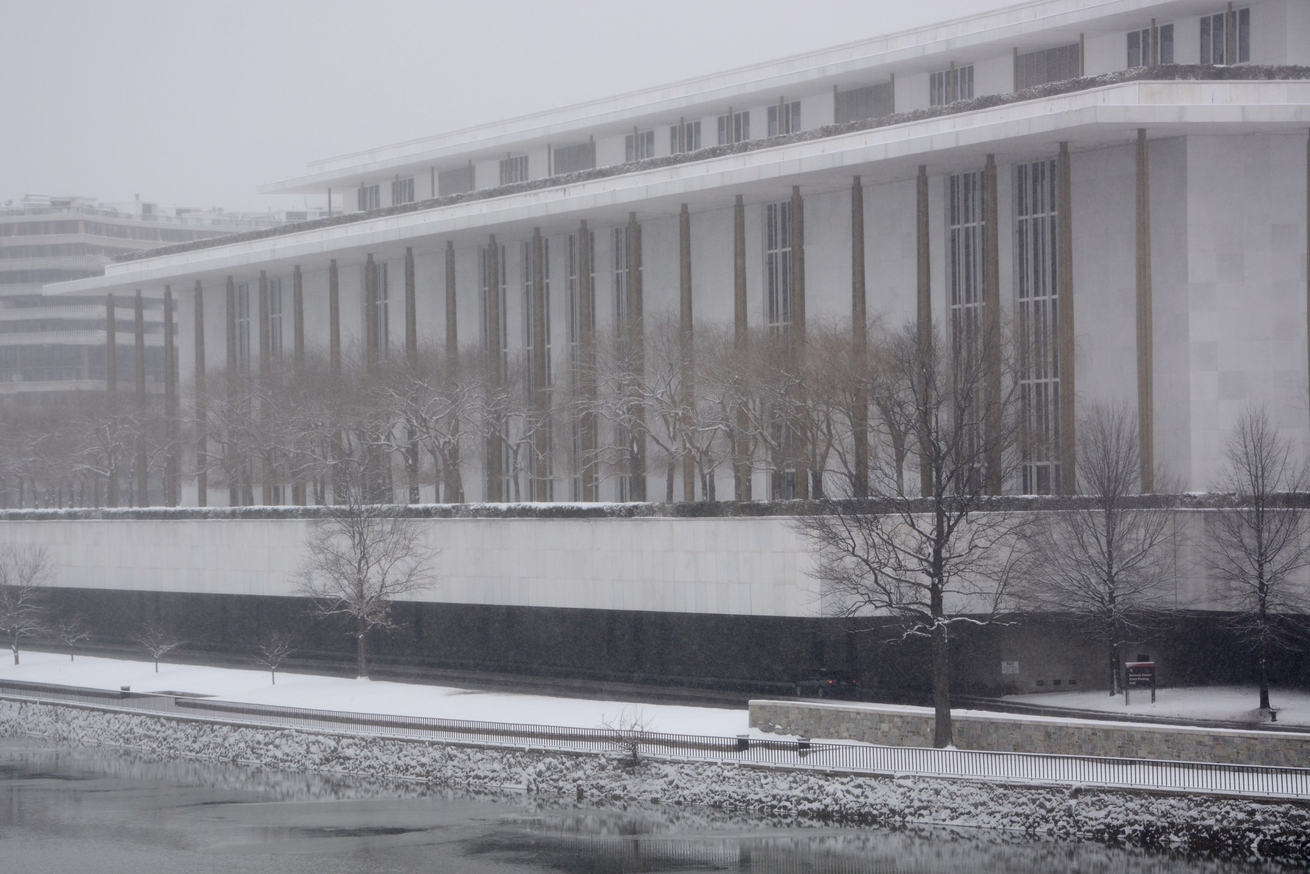 The John F. Kennedy Center for the Preforming Arts during the Presidents Day snowfall.  (WTOP/Dave Dildine)