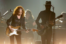 Bonnie Raitt, left, and Gary Clark Jr. perform a tribute to B.B. King at the 58th annual Grammy Awards on Monday, Feb. 15, 2016, in Los Angeles. (Photo by Matt Sayles/Invision/AP)