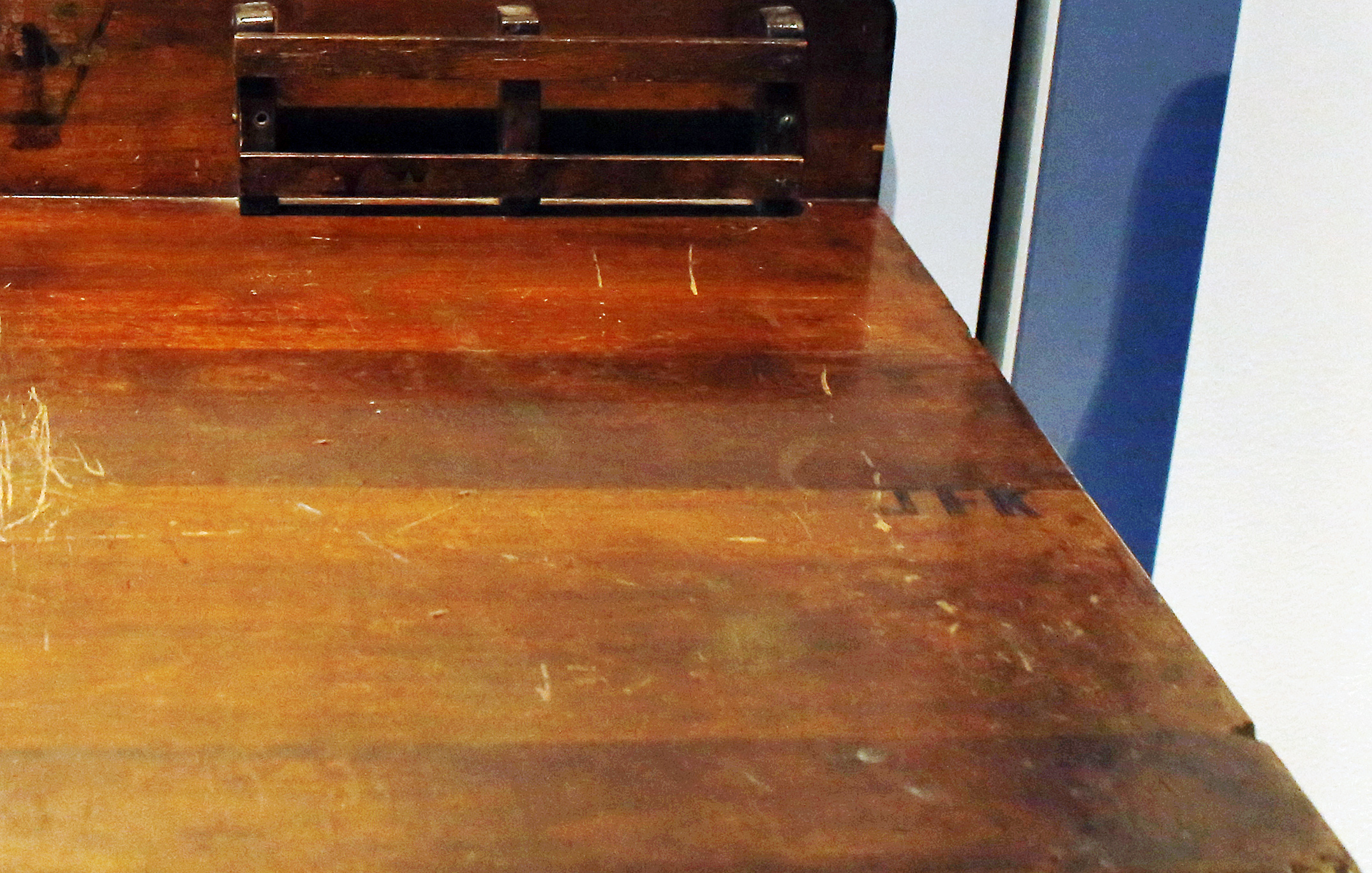 Too good to be true: Desk carved with 'JFK' isn't Kennedy's