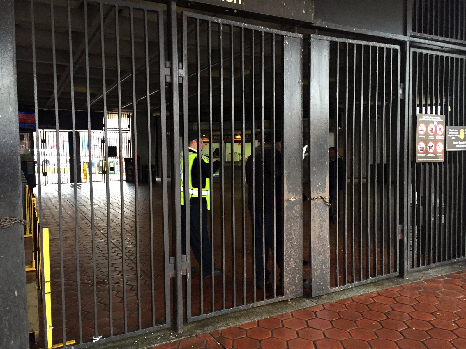 Police: 16-year-old shot man at Anacostia Metro Station | WTOP