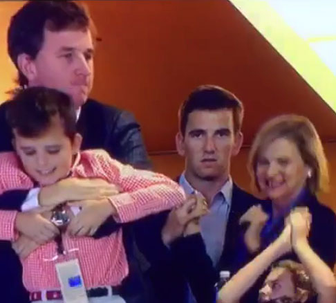 Peyton Manning on brother Eli's Super Bowl reaction: 'I've seen that face before'
