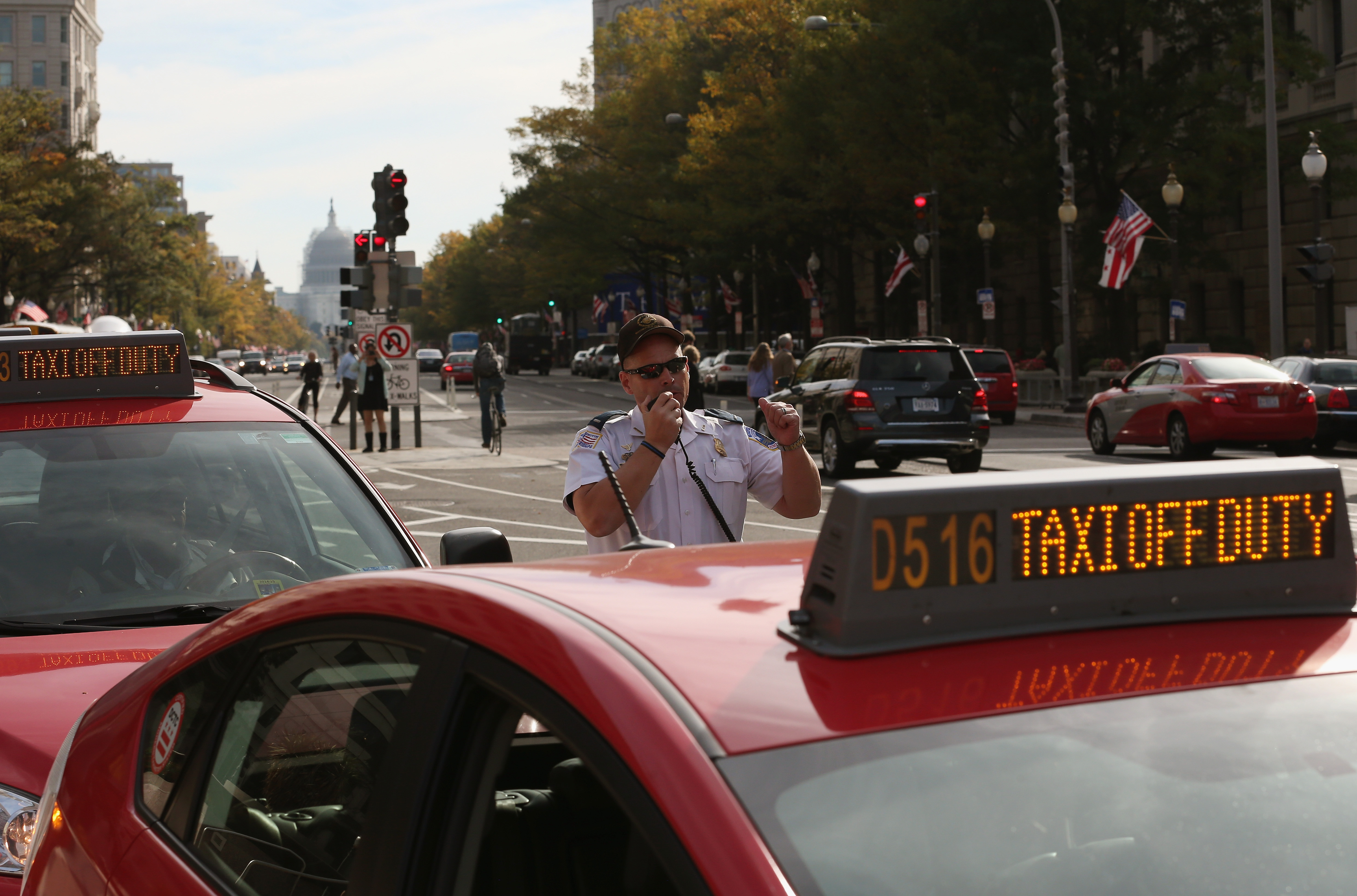 In a once-flourishing taxicab mecca, DC rides plummet