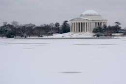 A snowy view of the Jefferson Memorial on Monday, Feb. 15, 2016. (WTOP/Dave Dildine)