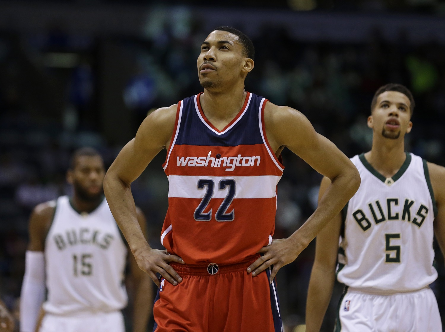 Washington Wizards' Otto Porter Jr. (22) looks up during an NBA basketball game against the Milwaukee Bucks Thursday, Feb. 11, 2016, in Milwaukee. (AP Photo/Aaron Gash)