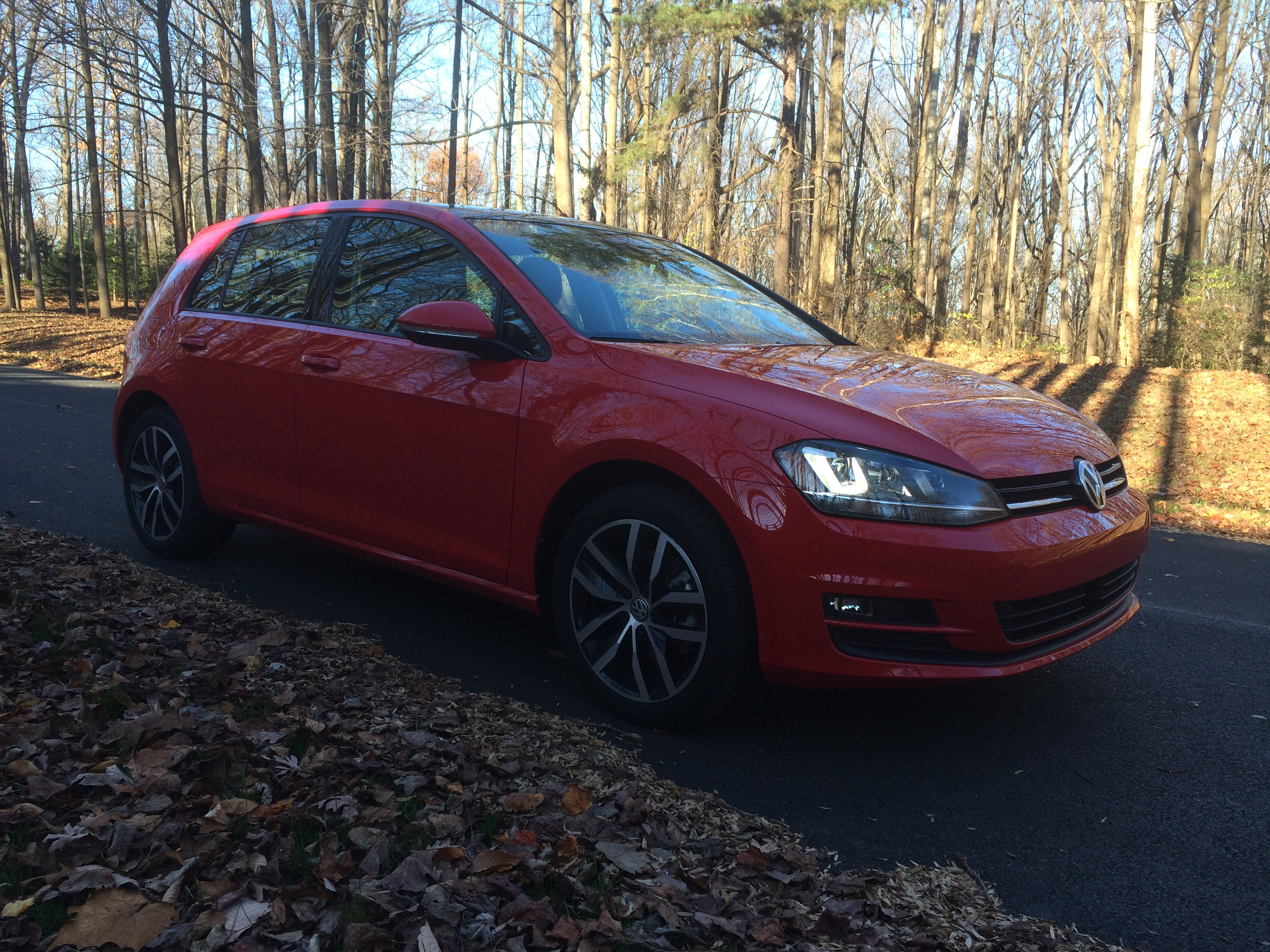 2016 VW Golf: More tech, safety features in fun-to-drive package