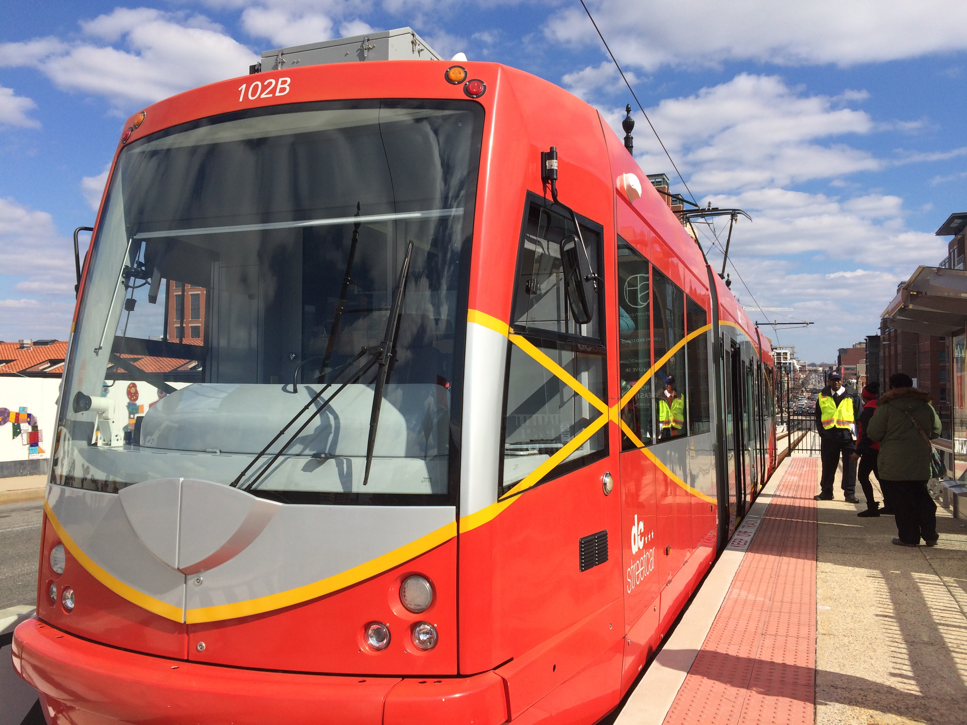 Finally: District's new streetcar opens with fanfare