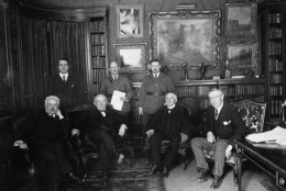 FRANCE - 1919:  Peace Conference attendees (seated, L-R) Italian Premier Vittorio Orlando, British PM David Lloyd George, French Premier Georges Clemenceau & US President Woodrow Wilson meeting at Wilson's Paris home prior to the signing of the Versailles Treaty.  (Photo by US Army Signal Corps/US Army Signal Corps/The LIFE Picture Collection/Getty Images)