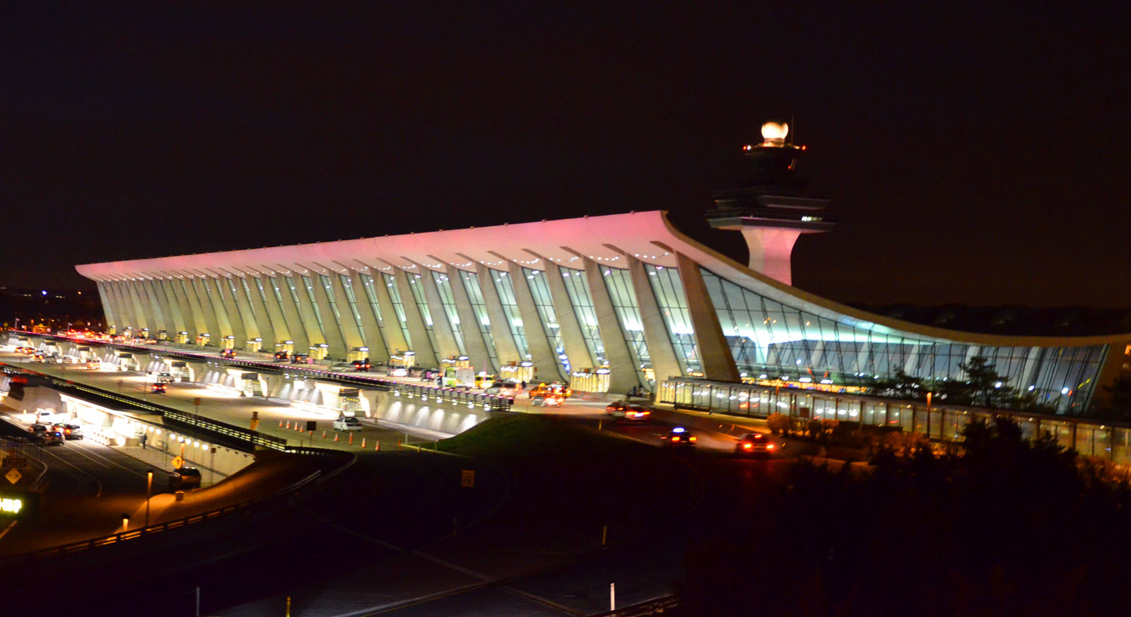 DCA, BWI mediocre; Dulles near bottom of airport survey