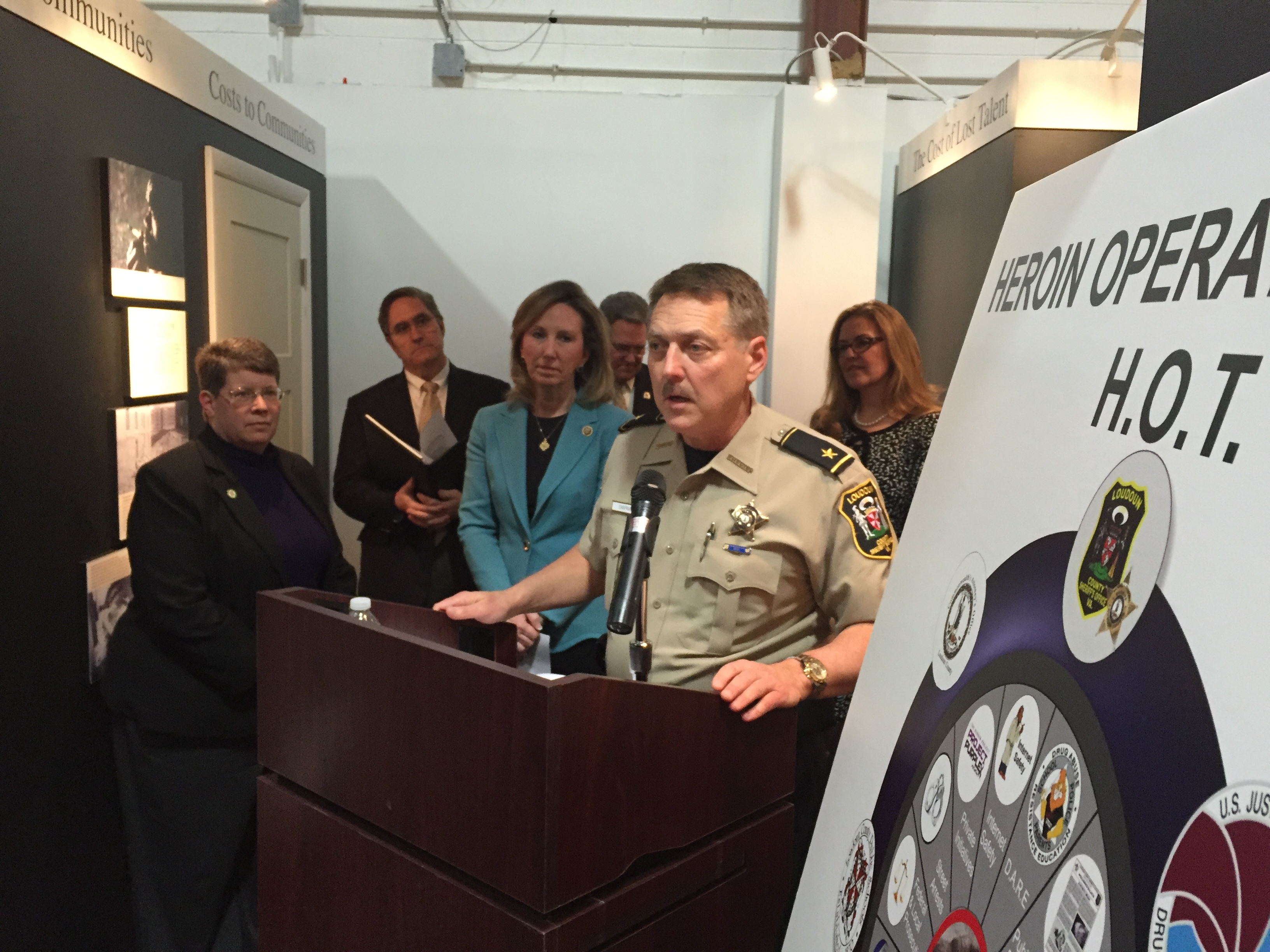 Meeting in Va. highlights role parents can play in preventing heroin overdoses