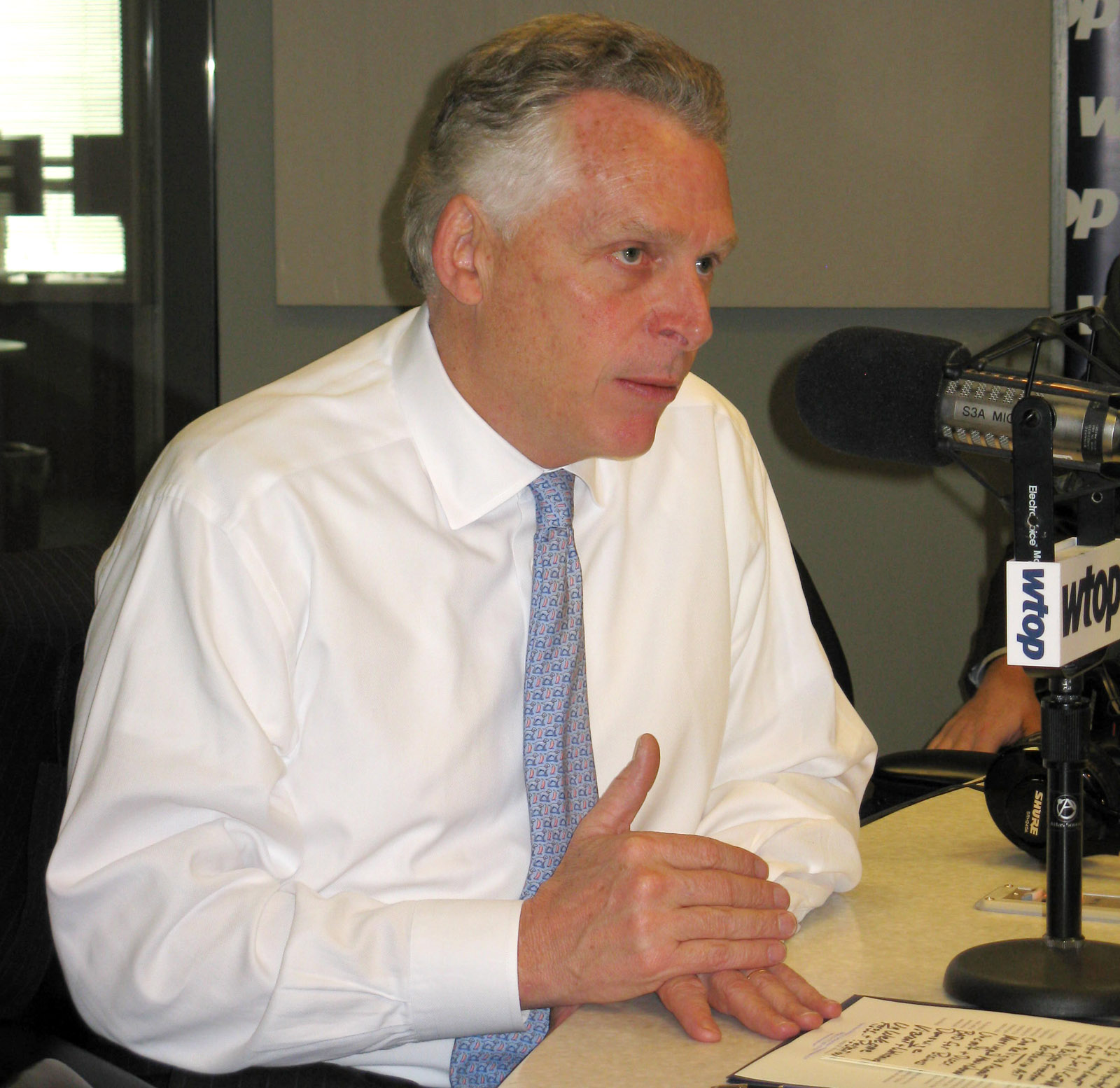 Va. Gov. McAuliffe hits back at planned suit over felon voting rights