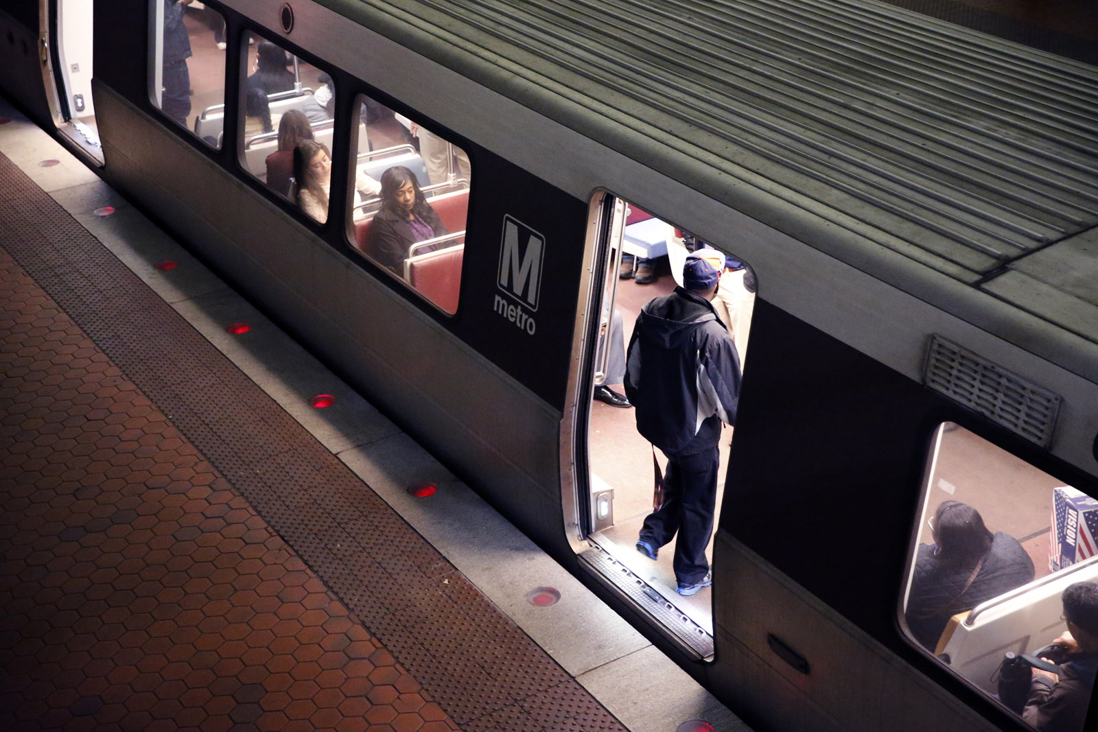Metro responds to naked man on train, busjacking, delayed sex assault report