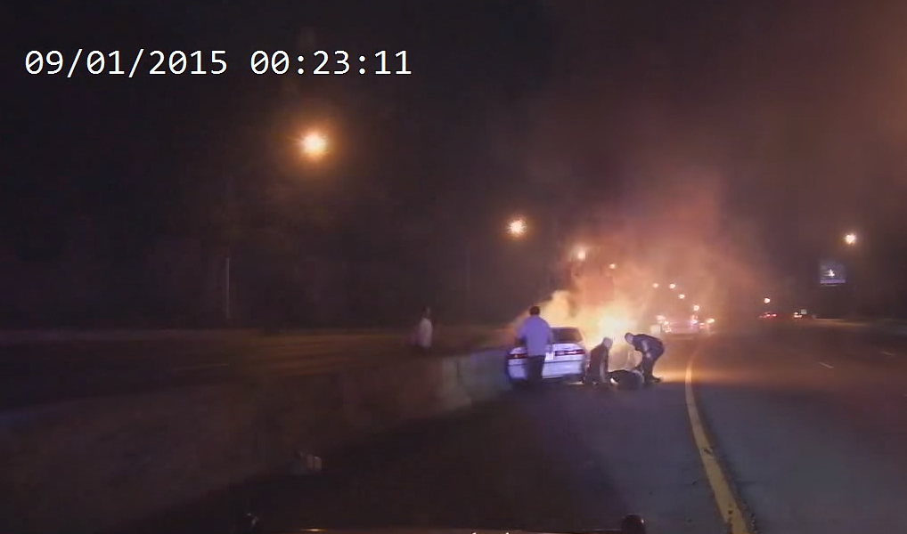 Montgomery Co. officers honored for pulling man from burning car