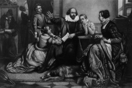 Circa 1600, Shakespeare (1564 - 1616) reading Hamlet to his family. (Photo by Hulton Archive/Getty Images)