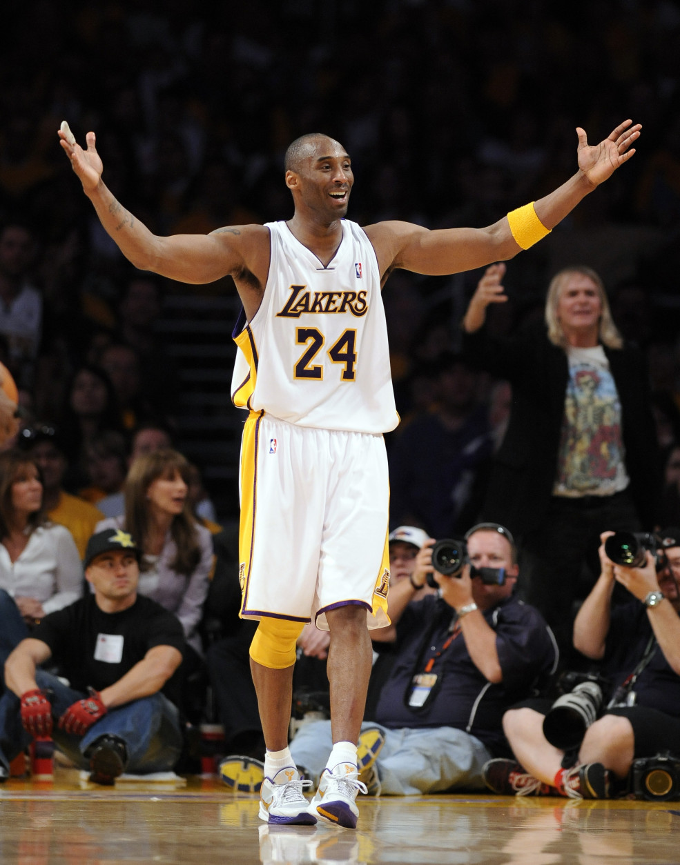 Los Angeles Lakers guard Kobe Bryant reacts to a foul call during the second half of Game 1 in the first round of the NBA basketball playoffs agains the Oklahoma City Thunder, Sunday, April 18, 2010, in Los Angeles. The Lakers won87-79. (AP Photo/Mark J. Terrill)
