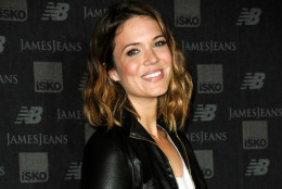 """FILE - In this Aug. 19, 2014 file photo, actress Mandy Moore arrives at the New Balance and James Jeans Dance Party  in Los Angeles. Moore has a recurring role on Fox's """"Red Band Society"""" airing Wednesdays on Fox. (Photo by Richard Shotwell/Invision/AP, File)"""
