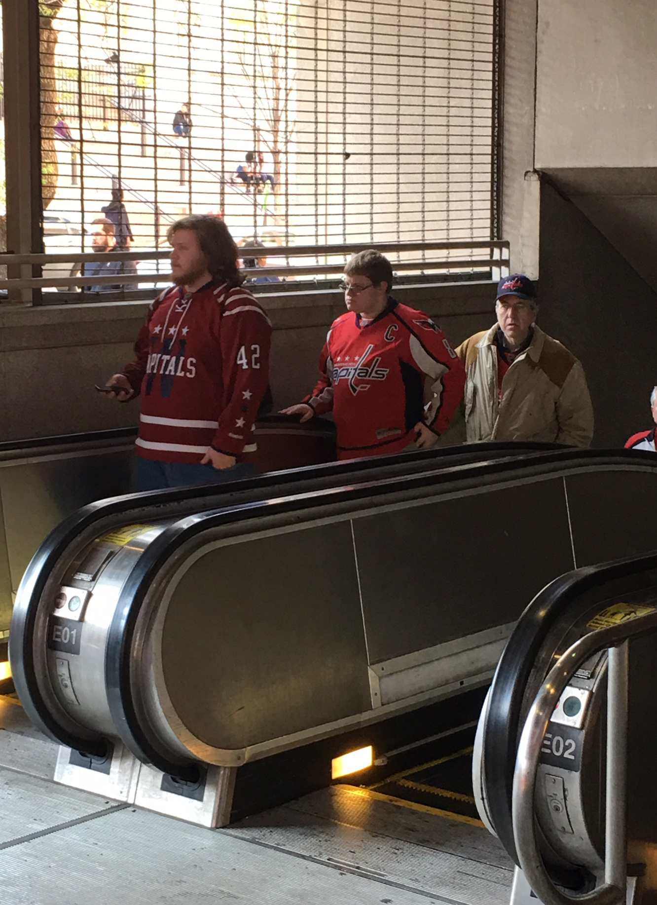 Metro to stay open later for Game 1 of Capitals-Penguins series