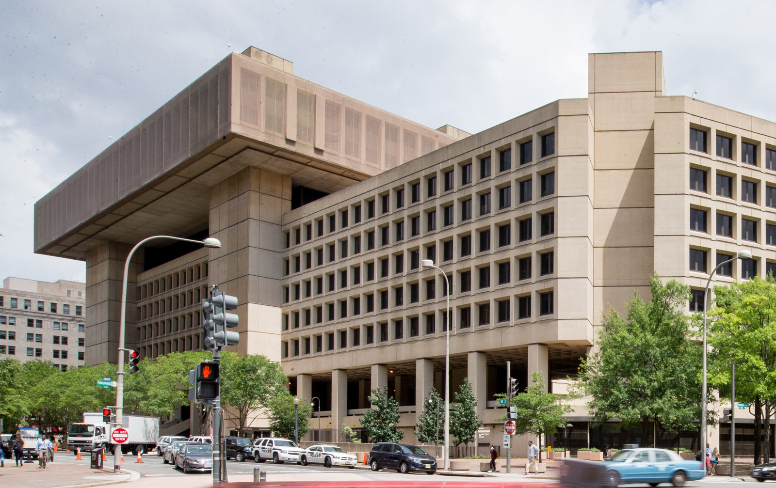 GSA confirms it wants FBI to stay in DC