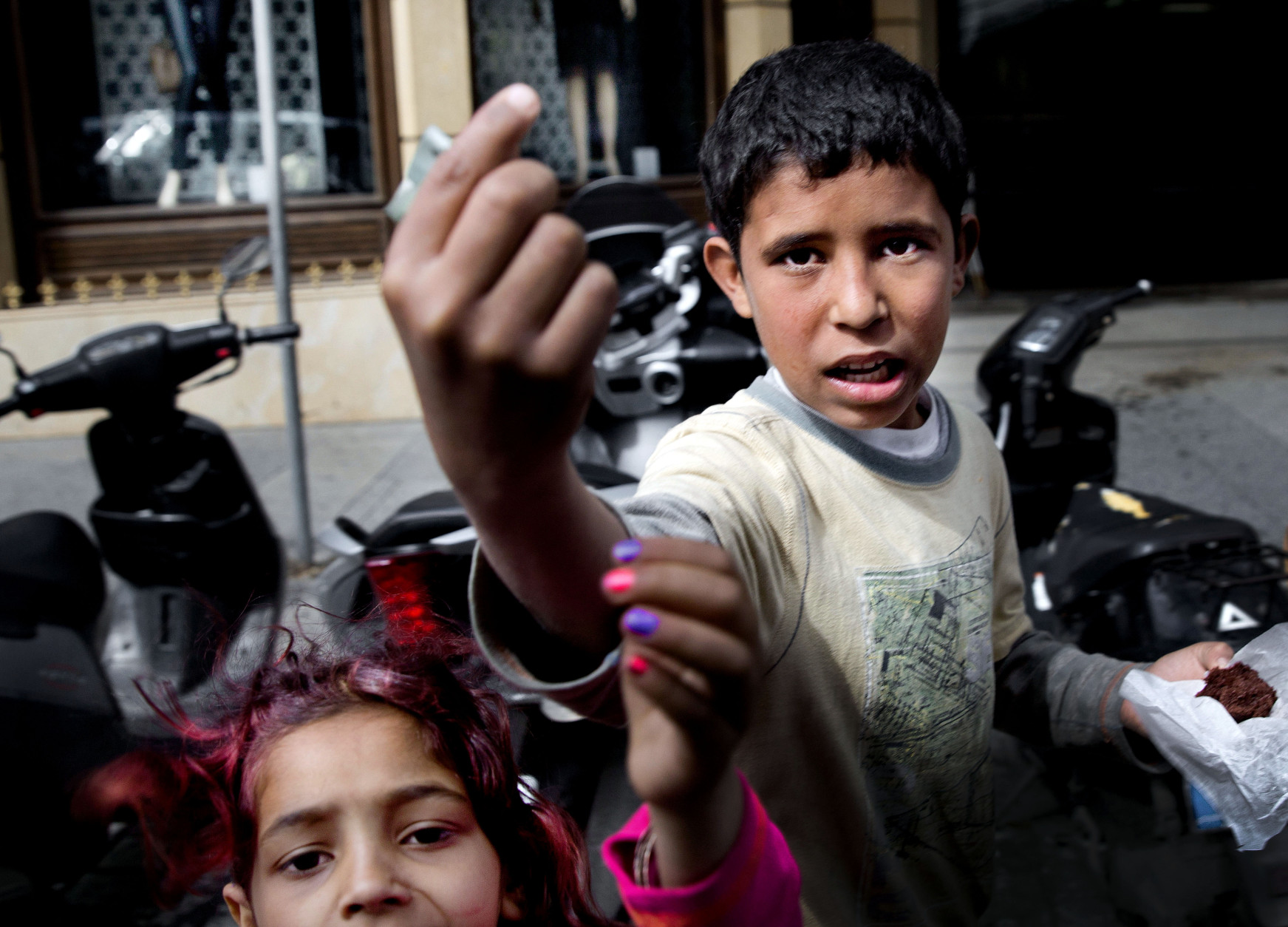 ap photos syria refugees beg for a living on beirut streets wtop