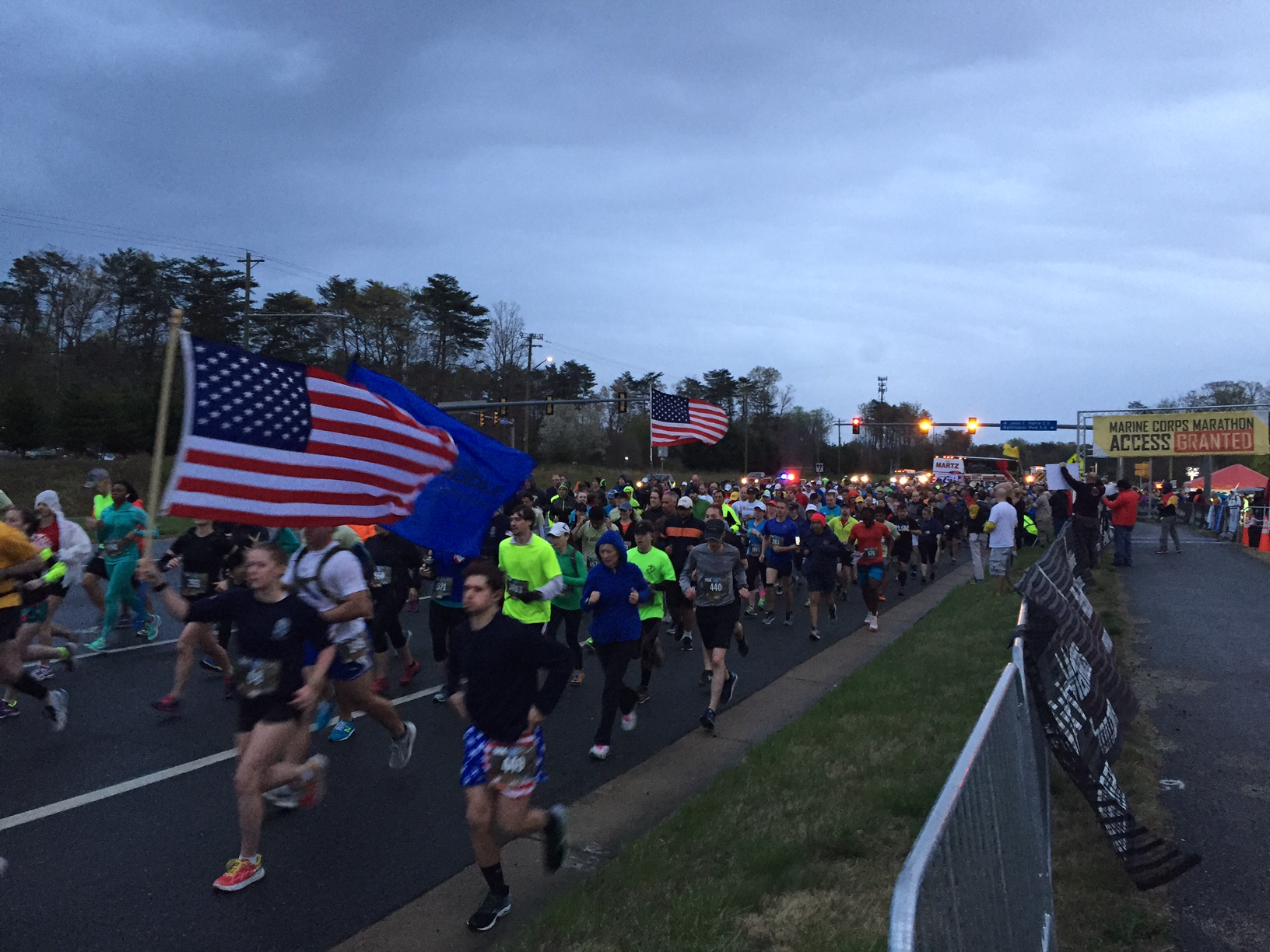 Runners honor fallen police officer at Marine Corps 17.75k