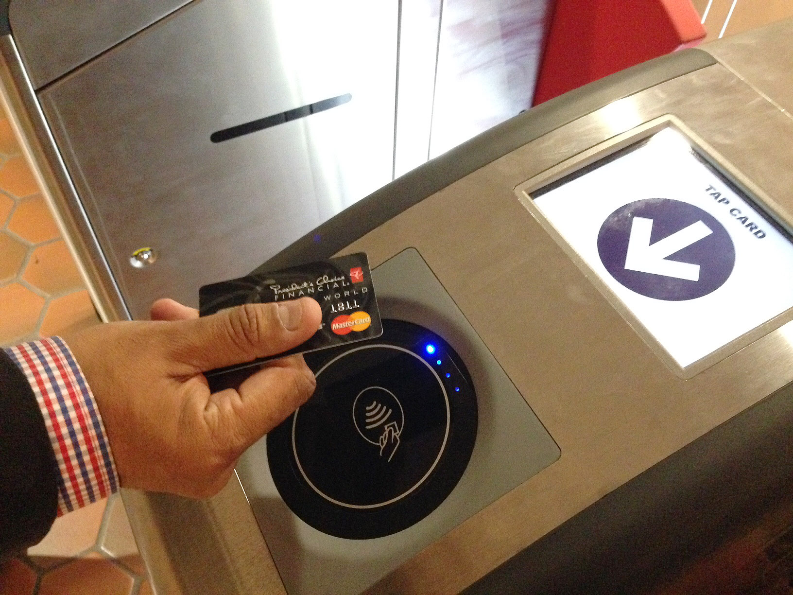 Metro cancels new generation fare system contract