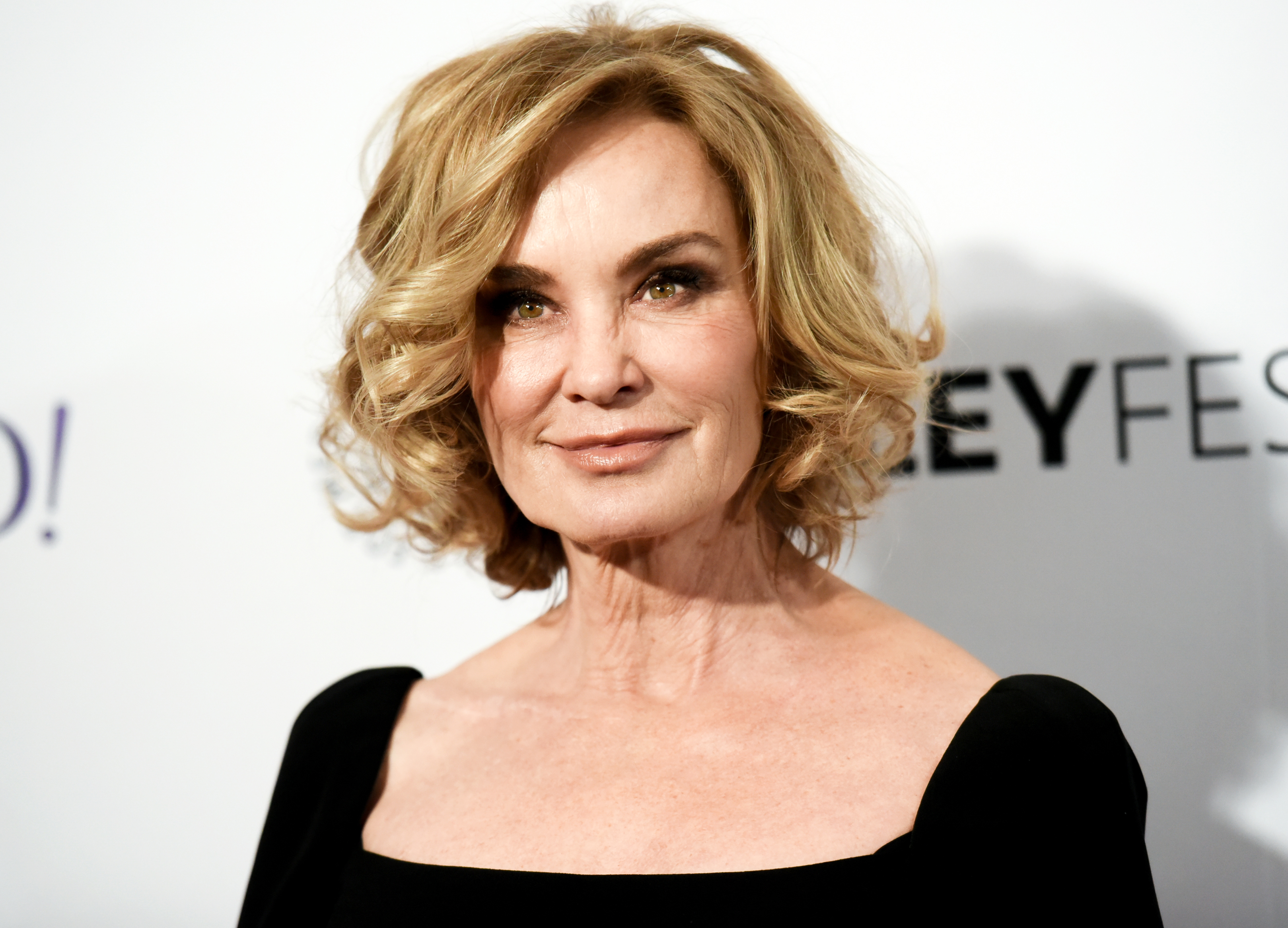 the black helicopter with Jessica Lange Revisits An Extraordinary Play On Broadway on Watch besides Clipart Helicopter Silhouette in addition Light Jet besides Agusta Westland Aw101 Transport also Jessica Lange Revisits An Extraordinary Play On Broadway.
