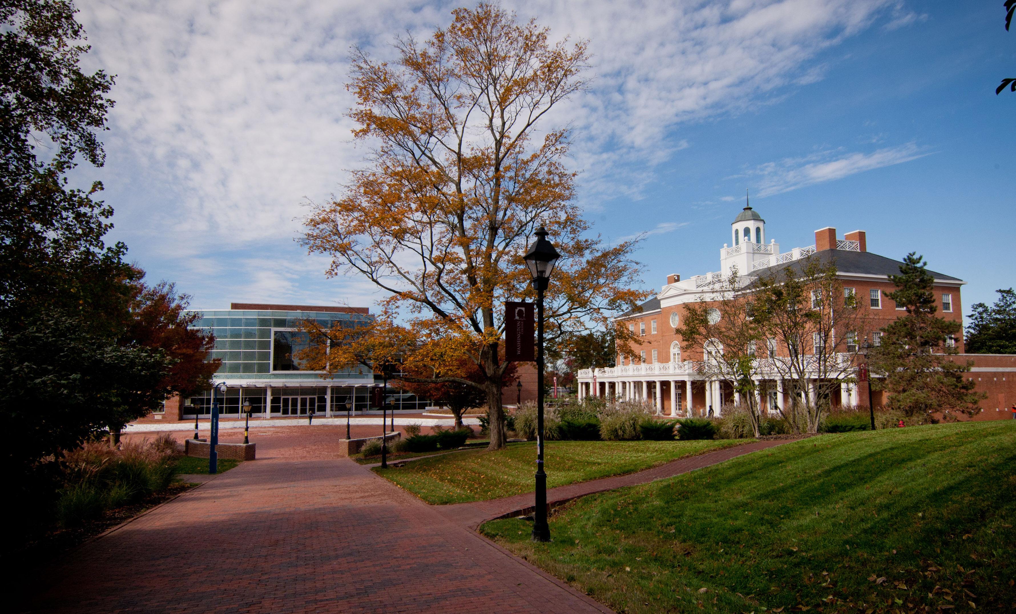 Washington College says 'Dam the Debt'
