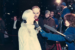 Arch Campbell interviews Jessica Tandy. (Courtesy Arch Campbell)