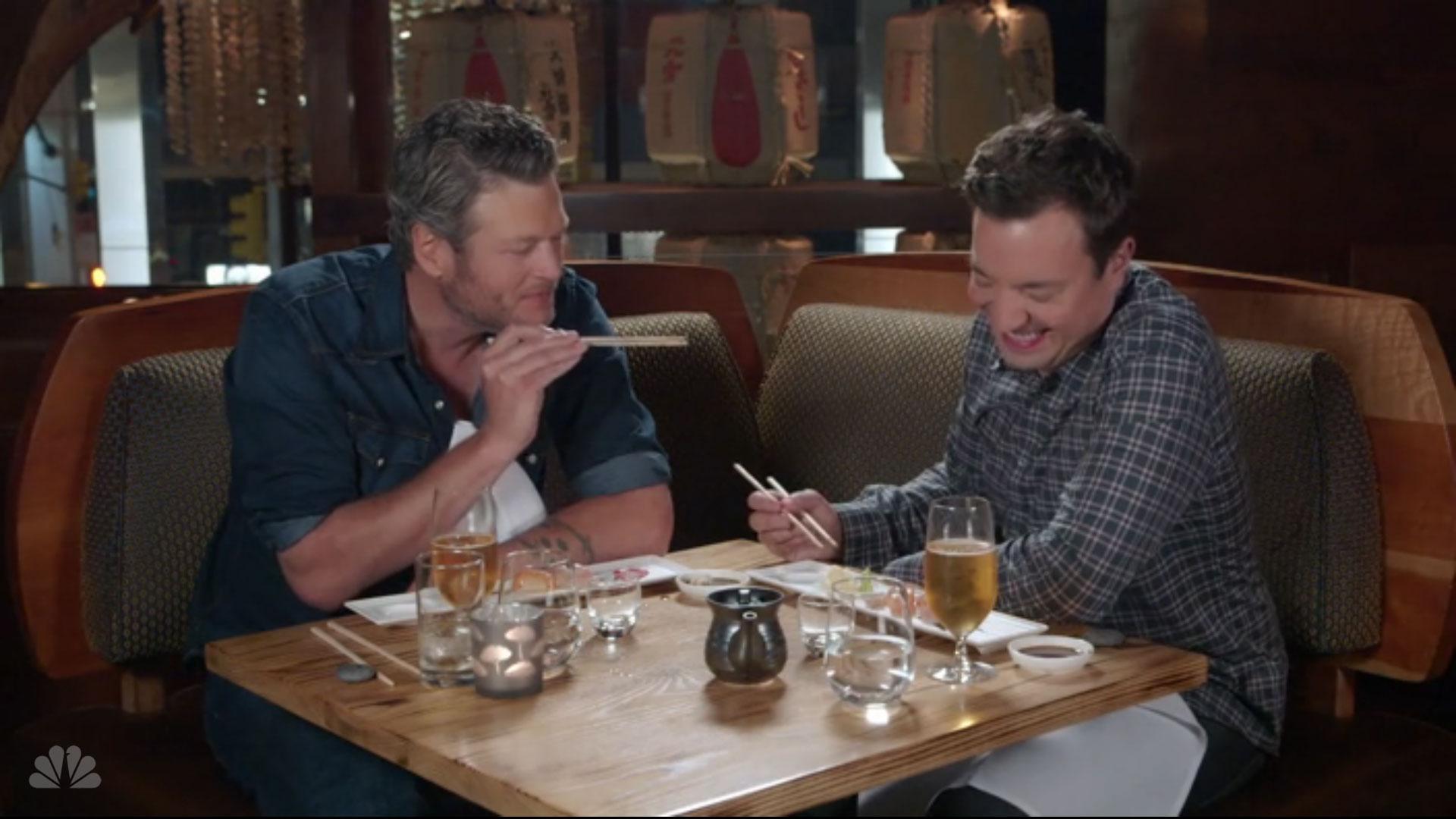 Blake Shelton has first taste of sushi and sake (Video)