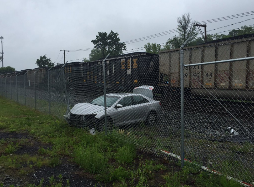 CSX train crashes into car in Gaithersburg