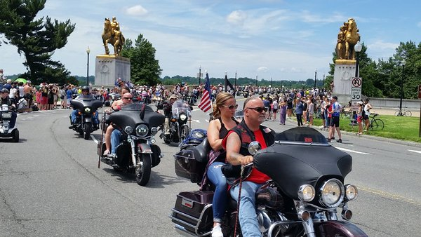 Rolling Thunder bikers roar into town to honor veterans