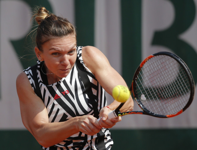 Stosur downs Safarova to reach last 16 at French Open