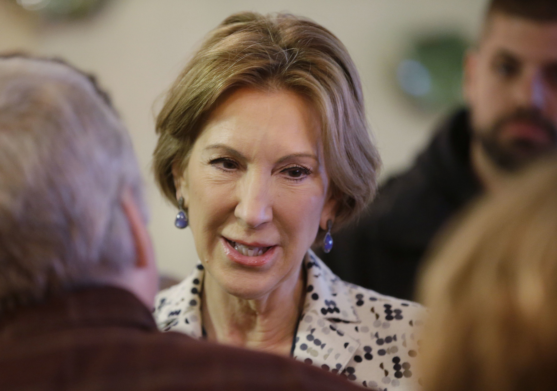 Vice-presidential candidate CarlyFiorina meets with supporters during a campaign stop at Lincoln Square Pancake House, Tuesday, May 3, 2016, in Westfield, Ind. (AP Photo/Darron Cummings)