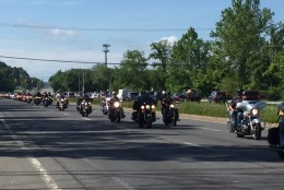 A convoy of motorcycles passes on its way to Rolling Thunder on Sunday, May 29. (Darci Marchese/WTOP)