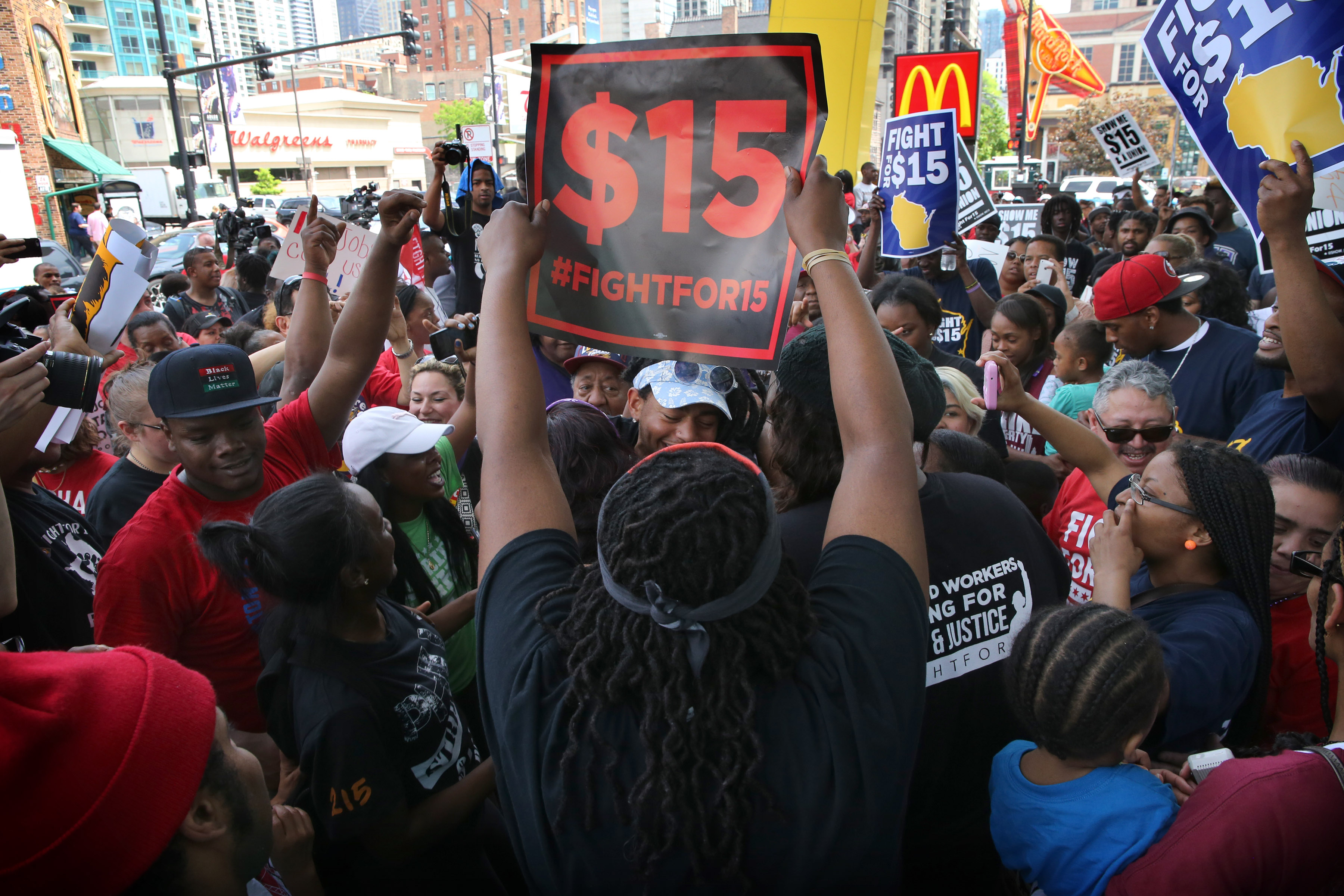 Protests Resume As Mcdonald S Shareholders Meet Wtop