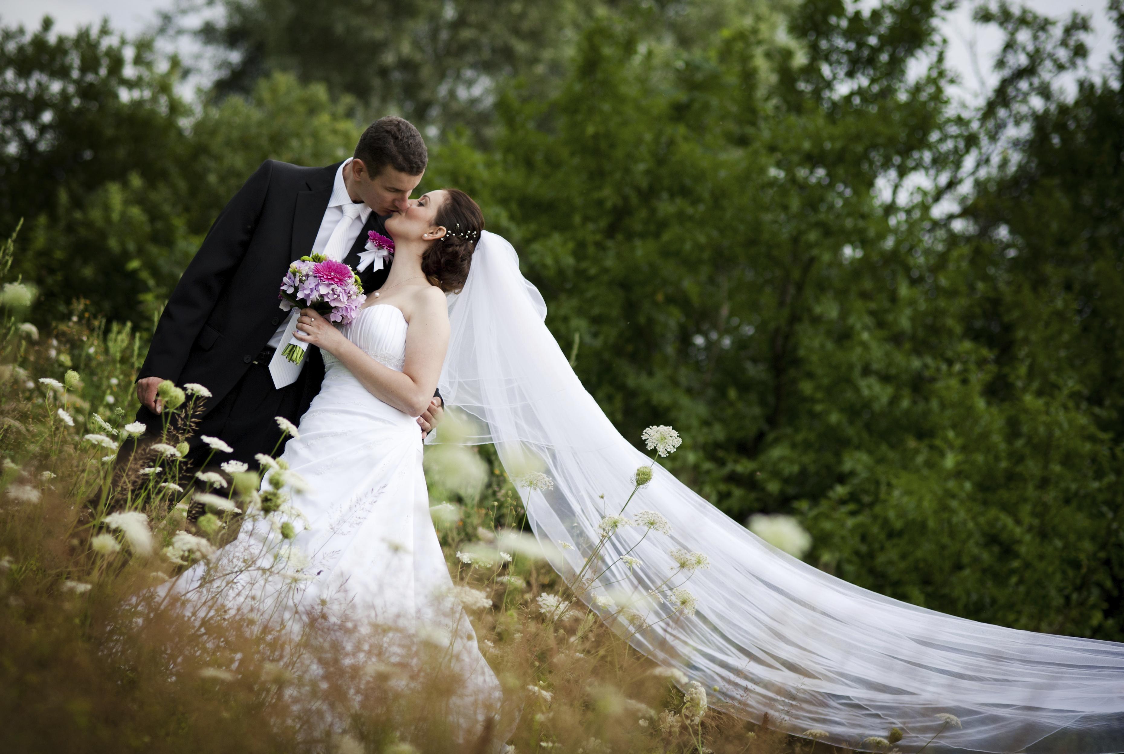 Column: Tips for making wedding, memorial slideshows
