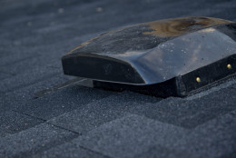 Roof vent air duct