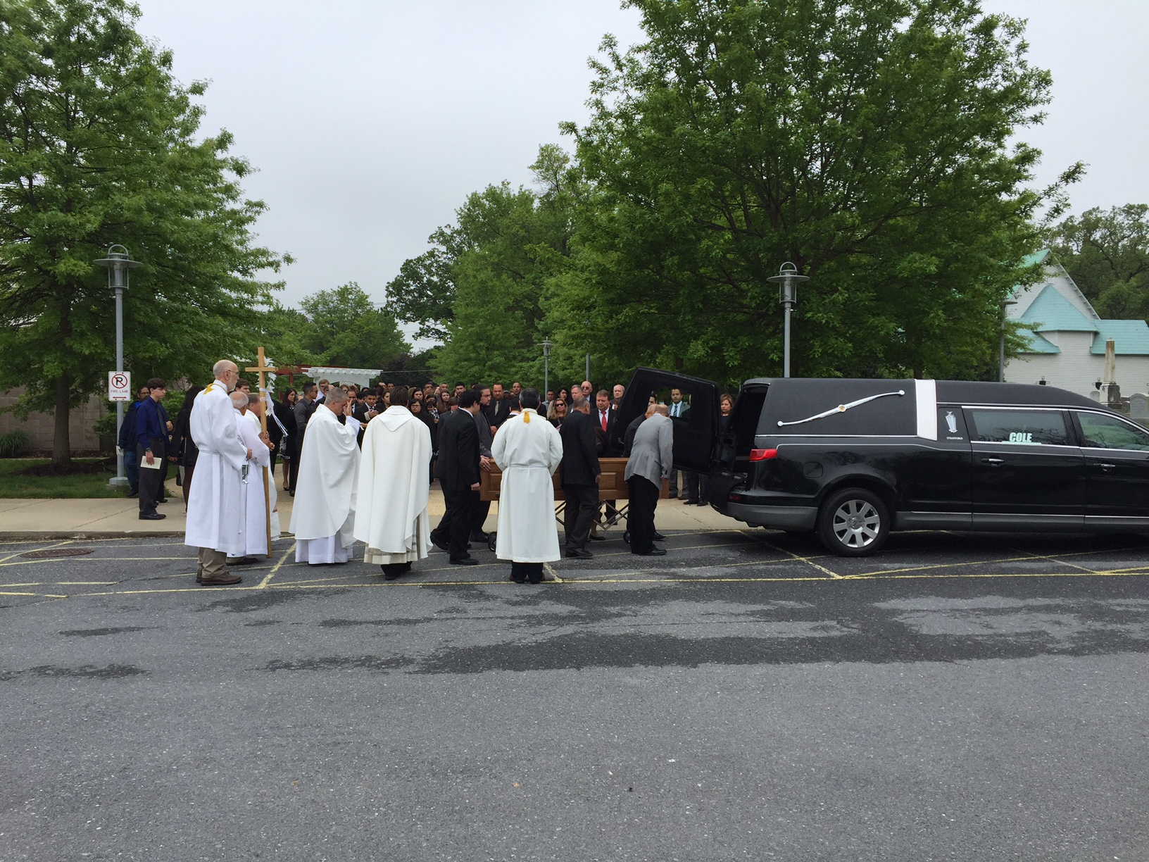 At funeral, Md. mall shooting victim remembered as 'hero'